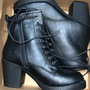 Black Boots Size 8.5; New, never worn